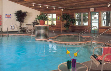 door_county_amenities_pool