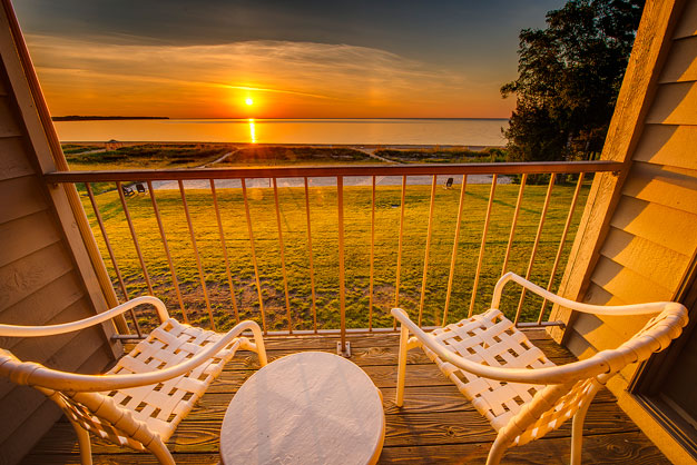 A gorgeous Lake Michigan sunrise greets you every morning at Door County's Glidden Lodge beach Resort