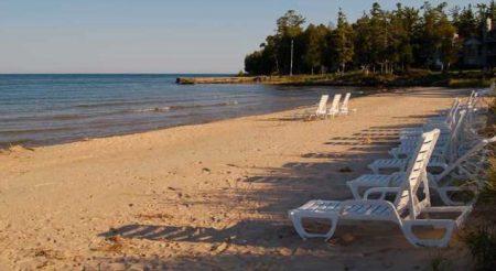 Glidden Lodge Beach Loungers